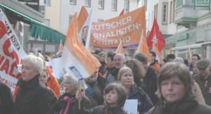 Aus alter Zeit: Demo durch die Gassen der Soester Innenstadt zur WP (archiv: zoom)