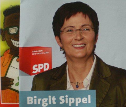 Quadratisch gefaltet - Im Ritter-Sport-Format: Die SPD wirbt für die Europawahlen