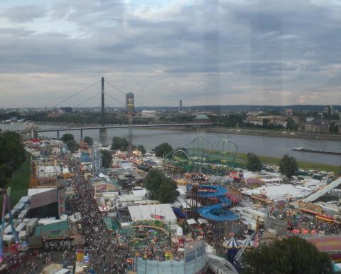 Die größte Kirmes am Rhein in Düsseldorf