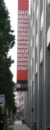 Springer Hochhaus-Fassade