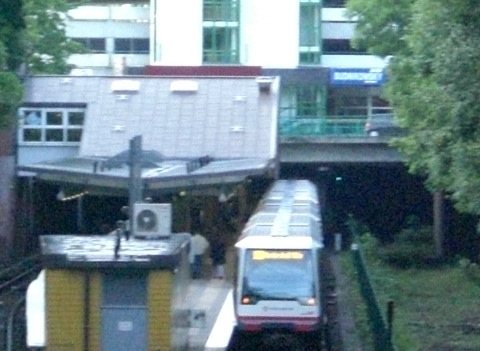 Linie U1 in Hamburg: urbane Mobilität schlägt träge ländliche Verkehrssysteme