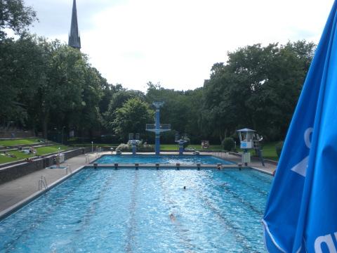 Das Schwimmbad am Kaiser-Friedrich-Ufer(kaifu) in Hamburg-Eimsbüttel