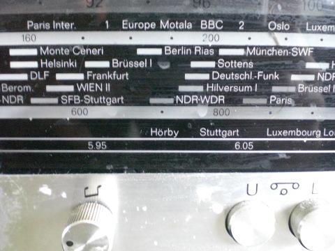 Frisch aus dem Radio, ins Gehör und Gehirn. (archiv: zoom)