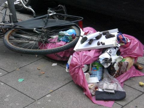 Gegen Diebstahl hilft Abschließen - im Hamburger Schanzenviertel (foto: zoom)
