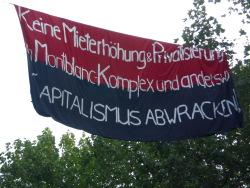 Fahnenradikalismus über den Straßen des Schanzenviertels