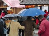 Regenschirme auf dem Wintermarkt in Winterberg