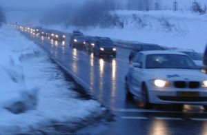 abfließender Verkehr aus den Skigebieten. (archiv: zoom)