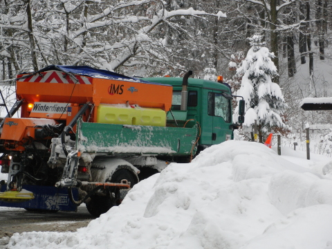 Bis jetzt beherrschte der Winterdienst im Raum Winterberg, Olsberg die Situation. (foto: zoom)