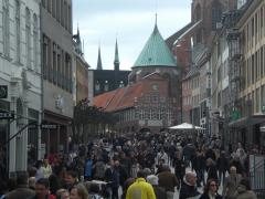Gedrängel in Lübeck am Ostersamstag (foto: zoom)