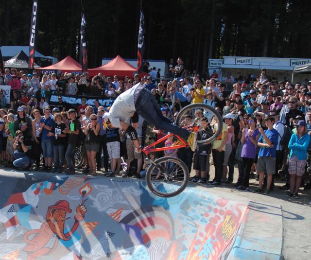Beim Freeride Radfestival in Winterberg wurde die Schwerkraft herausgefordert. (fotos: zoom)