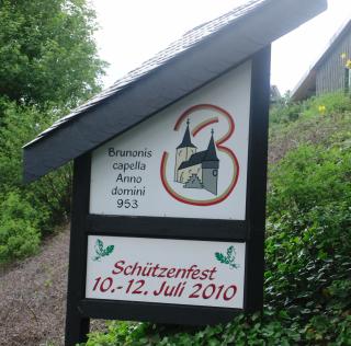 Tafel in Brunskappel. Schützen oder feste verkaufen. (archiv: zoom)