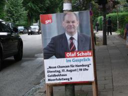 Olaf Scholz Plakat an der Sierichstrasse, Hamburg im August 2010 (foto: zoom)