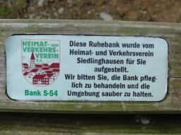 Bank in Siedlinghausen (foto: zoom)