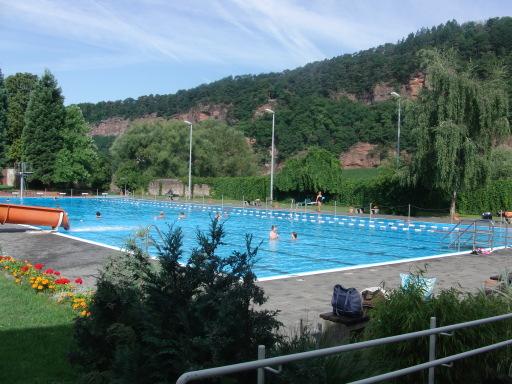 So muss es sein: 50m-Becken im Trierer Nordbad (foto: zoom)