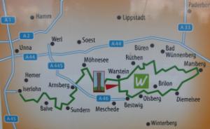 Wandertafel zum Lörmecketurm. (foto: zoom)
