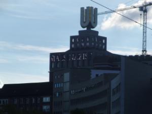 """Laufschrift am Dortmunder """"U"""": Ich fand schon damals Nazis uncool. (foto: zoom)"""