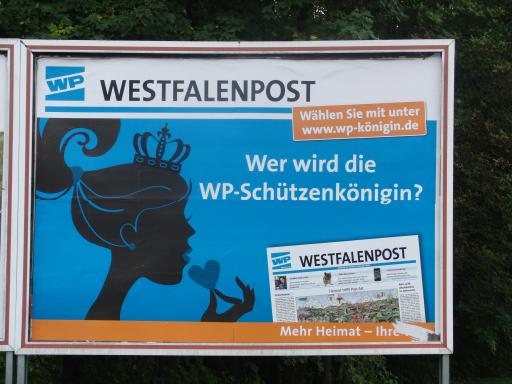 Neben dem Kaufpark in Siedlinghausen: Werbung für die Westfalenpost (archivfoto: zoom)