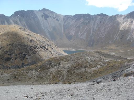 Solche Mondlandschaften liegen direkt vor der Haustür: der Nevado de Toluca, ein erloschener Vulkan. (foto: koerdt)