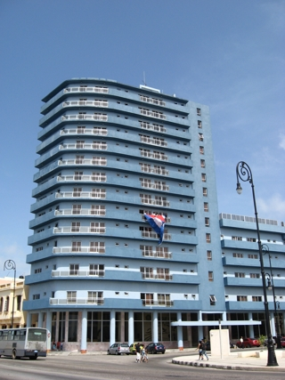 Am Prachtboulevard, dem Malecon, von Havanna