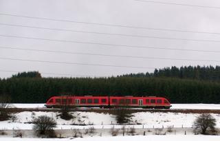 Heute Nachmittag: die Bahn kurz vor Winterberg (foto: zoom)