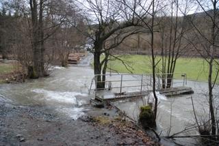 Brücke über die Neger zwischen Siedlinghausen und Brunskappel. (foto: zoom)