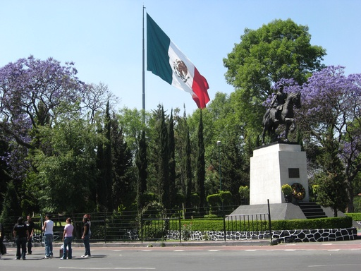 Trotz Krankenhaus und alledem gibt es einen sonnigen Frühling in Mexiko-Stadt