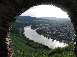 Die Mosel und die Wahlen. Rheinland-Pfalz für Durchblicker. (foto: zoom)