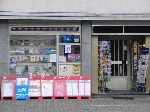 Unser Buch- und Schreibwarenladen vor Ort (foto: zoom)