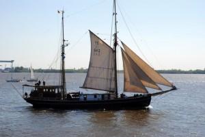 Fernweh: an der Elbe. (foto: chris klein)