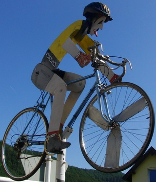 """""""Fahrradfahrer"""" in Bad Karlshafen. (foto: zoom)"""