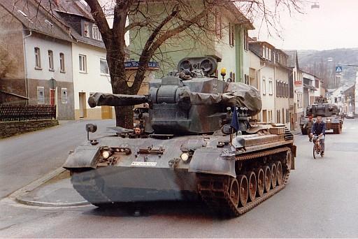 Deutscher Panzer, aufgenommen in Lorch am Rhein, 1989 (archiv: chris)