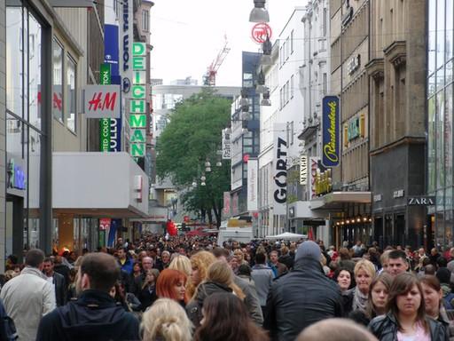 Bevölkerungsrückgang? Nicht in der Einkaufsmeile von Dortmund (Archiv: zoom)
