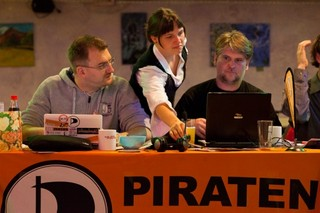Piratentreff (CC-BY*: Tobias M. Eckrich)