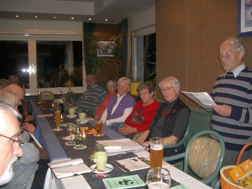 Hans-Joachim Kirchhefer, ein langjähriges Mitglied des Eine-Welt-Laden-Teams, war Ende November als Referent und Gast beim Begegnungsabend (foto: joch-eren)