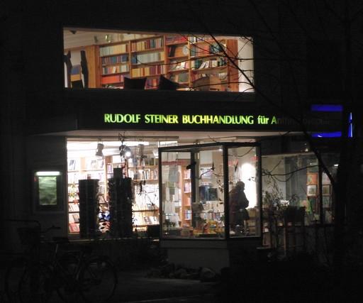 Existiert eine Korrelation von Wohlstand und Esoterik? Rotherbaum in Hamburg. (foto: zoom)
