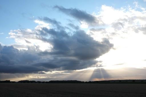 Ein trügerisches Idyll? Landschaft bei Büren im Sauerland (foto: lutz wendland)