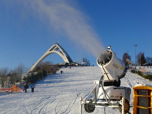 Heute nachmittag: Schneekanone am Herrloh (fotos: zoom)