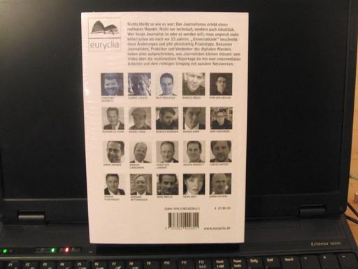 Die Rückseite des Sammelbandes mit den Portraits der Autorinnen und Autoren (foto: zoom)