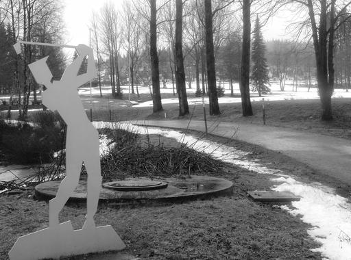 """Heute beim Laufen """"gecheckt"""": Der Winter macht schlapp, aber trotzdem noch kein Spielbetrieb auf dem Golfplatz in Winterberg. (foto: zoom)"""