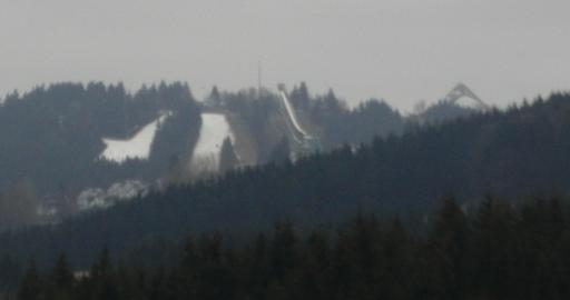 Herangezoomt: Maschinenschnee gepresst auf den Pisten von Winterberg(foto: zoom)