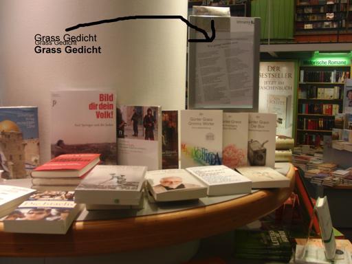"""Wissenslücke Abt. Antisemitismus? Bücher rund um """"das Gedicht"""" - das Geschäft läuft. (foto: zoom)"""
