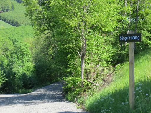 Einstieg in den Bürgerradweg Richtung Wulmeringhausen oberhalb von Brunskappel. (foto: zoom)