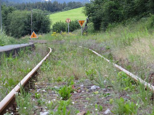 Wohin geht der Weg? Siedlinghausen Bhf Gleis 1 vor vier Tagen. (foto: zoom)