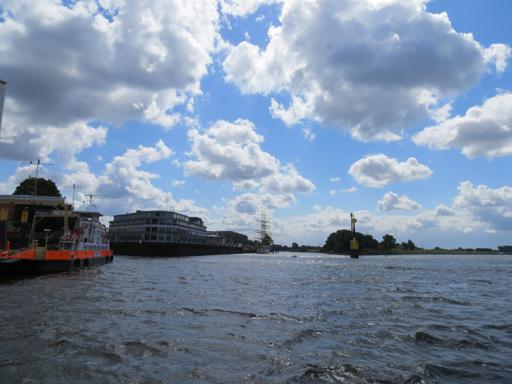 Über das Wetter meckere ich schon lange nicht mehr. Überquerung der Weser. (foto: zoom)