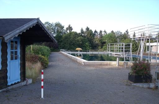 Der Eingang zum Winterberger Freibad bleibt geschlossen. (foto: reintke)