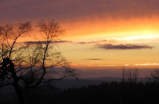 Abendrot über dem Hochsauerlandkreis (foto: zoom)