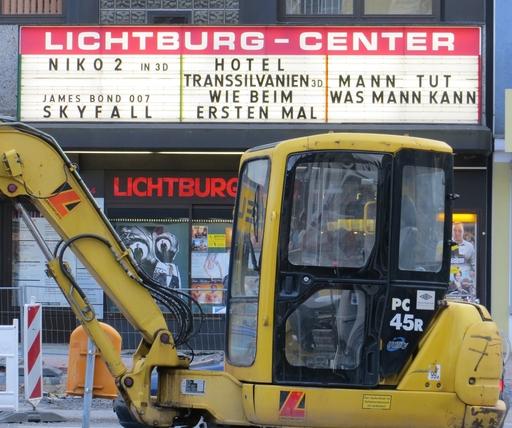 """Merkwürdige Schreibweise für """"Kino 2"""": die Lichtburg in Dinslaken (foto: zoom)"""