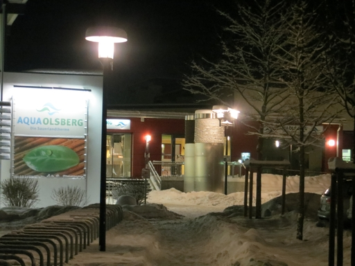 Auf geht's - ins AquaOlsberg. Heute Abend kurz vor neun. (foto: zoom)