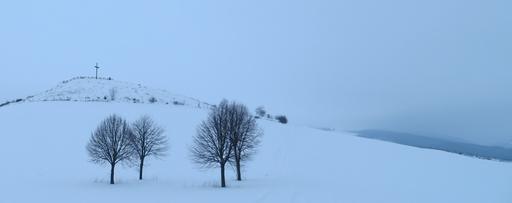 Nix Langlaufski, sondern Turnschuh und ab auf die Dorfrunde. (foto: zoom)