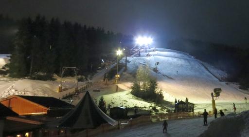 Heute Abend: Flutlicht-Ski bei Möppis Hütte. (foto: zoom)